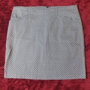 Ellen Tracy mini skirt with pockets
